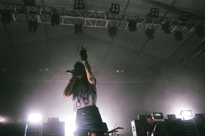PretextSocialClub_GovernorsBall2014_SleighBells_photoby-JessicaStraw_57020006