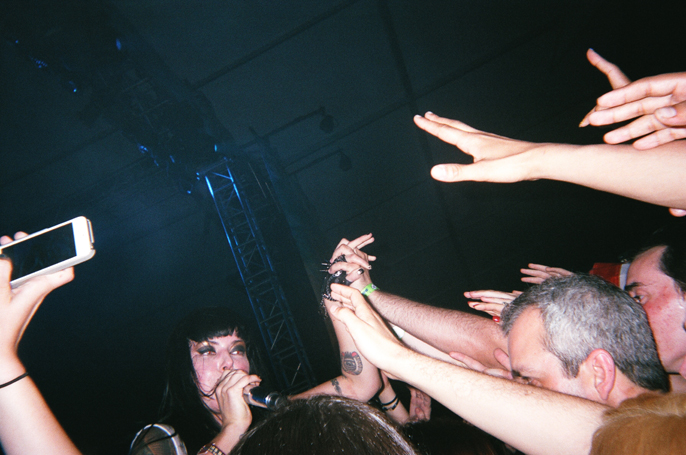 PretextSocialClub_GovernorsBall2014_SleighBells_photoby-JessicaStraw_57020012