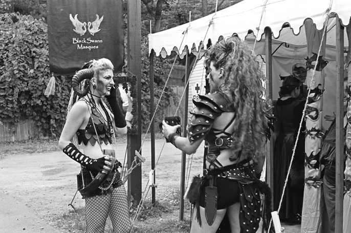 Pretext_Social_Club-NYC_Renaissance_Faire-photo_by-Kacie_Daughety-IMG18