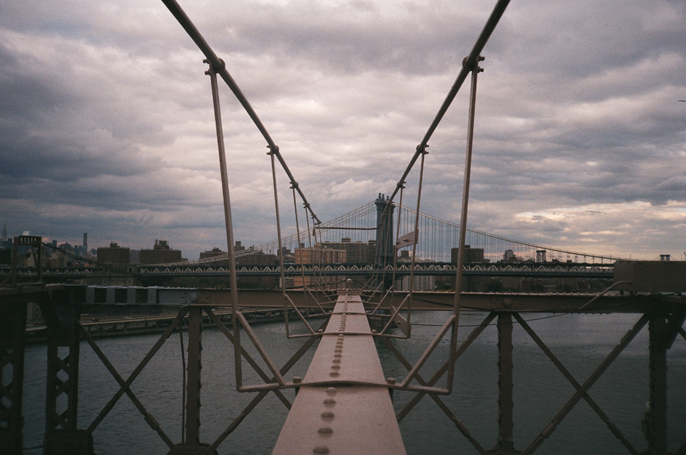 Pretext_Social_Club-IMG3-Brooklyn_Bridge-New_York_City-photo_by_Jessica_Straw