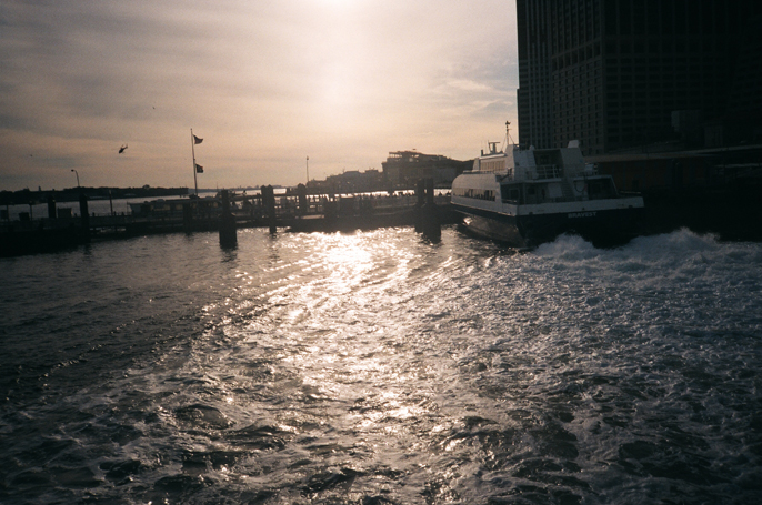 Pretext_Social_Club-IMG4-East_River_Ferry-New_York_City-photo_by_Jessica_Straw